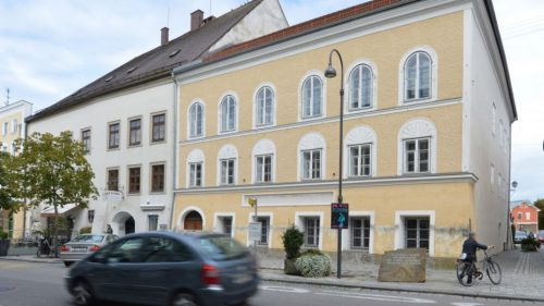 This Sept. 27, 2012 file picture shows an exterior view of Adolf Hitler's birth house , front, in Braunau am Inn, Austria. (AP Photo / Kerstin Joensson,file)